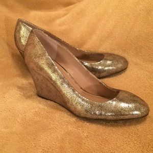 Vince Camuto silver heels size 8.5